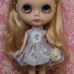 Sewing pattern for a bubble skirted dress and handbag for Blythe dolls