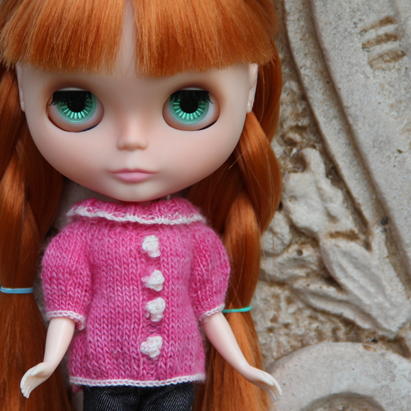 Coco sweater knitting pattern for Blythe dolls
