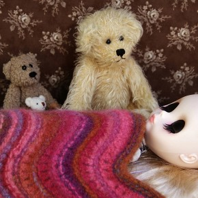 Snuggly felted blanket for Blythe and other 1:6 scale (playscale) dolls